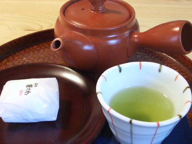 Kiinalainen kamelia, eli miten teetä juodaan