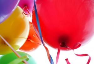 800px-Happy_balloons