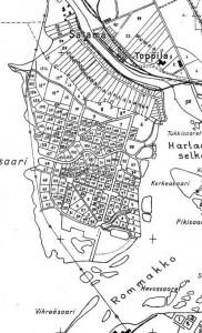 Hietasaari on noin kaksi kilometriä pitkä ja yhden kilometrin levyinen matala saari Oulujoen suistossa kaupungin keskustan ja meren välissä.