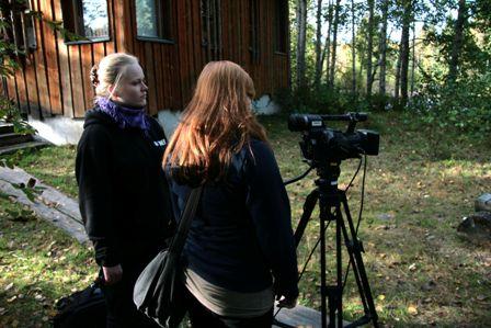 Kirjoittaja pääsi kouluaikana testaamaan myös ohjaajan pestiä Tuska ja Ahistus -dokumentissa. (c) Camilla Perttula