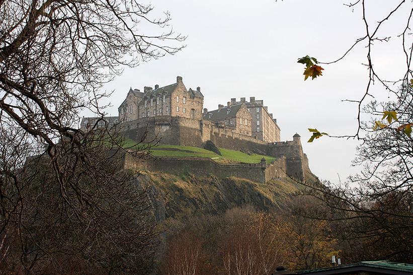 Acerin matkassa Edinburghissa