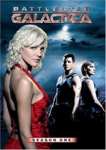 Battlestar Galactican cyloneita ja ihmisiä ei erota toisistaan. Lähde: http://ecx.images-amazon.com/images/I/518E1KQZYVL.jpg