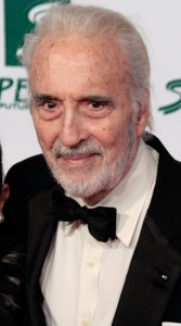 Christopher Lee at the Women's World Awards 2009 in Vienna, Austria. Kuvan lähde: https://commons.wikimedia.org/wiki/Category:Christopher_Lee#/media/File:Christopher_Lee_2009.jpg