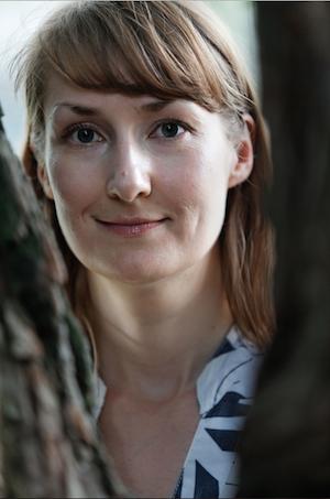 Emmi Itäranta, kirjailijakuva