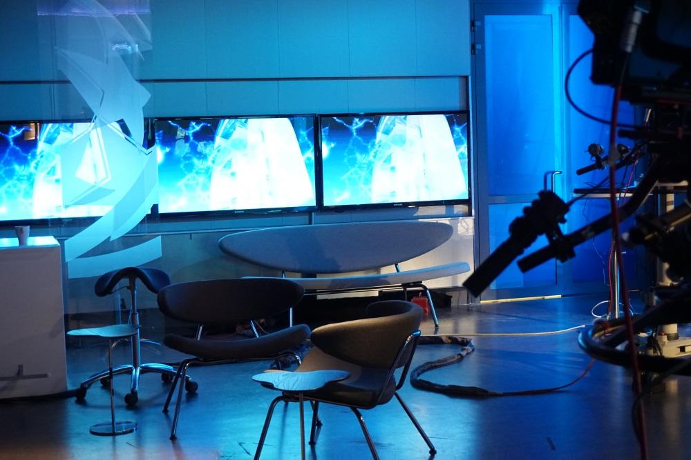 a-studio taustalla