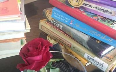 Kirjat kiertoon – vai sittenkin omaan hyllyyn?
