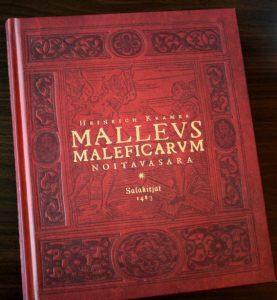 Malleus Maleficarum, eli Noitavasara. Kuva: Katja Korhonen