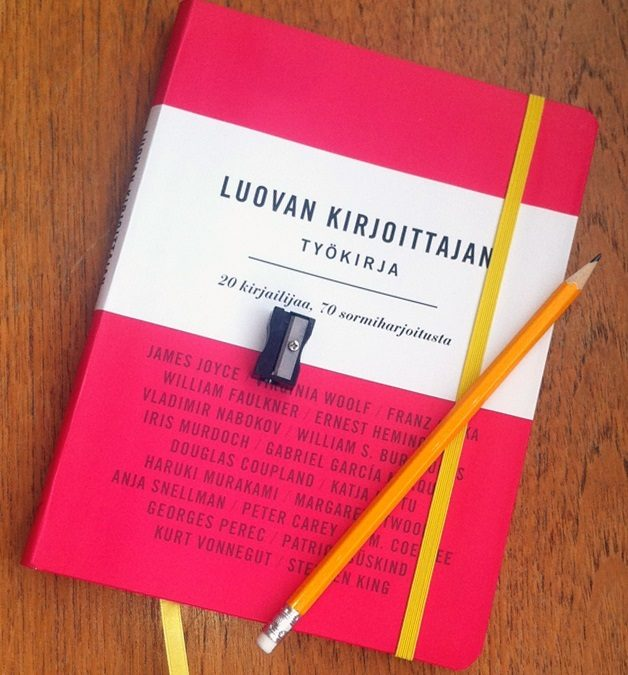 Kirja-arvostelu: Luovan kirjoittajan työkirja – 20 kirjailijaa, 70 sormiharjoitusta
