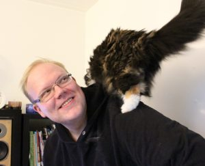 Kuvan kissa ei ole oma, vaikka kissoista pidänkin.