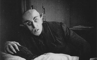 Nörttityttöjen opas vampyyrielokuvien pariin