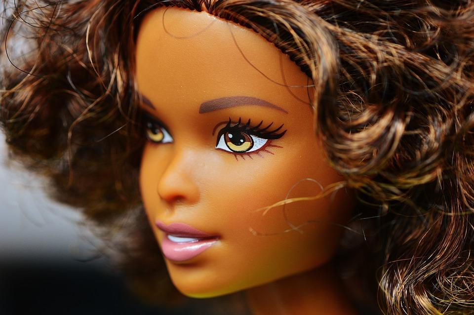 Luukku 20: Barbie-nukkeja inspiroivista naisista