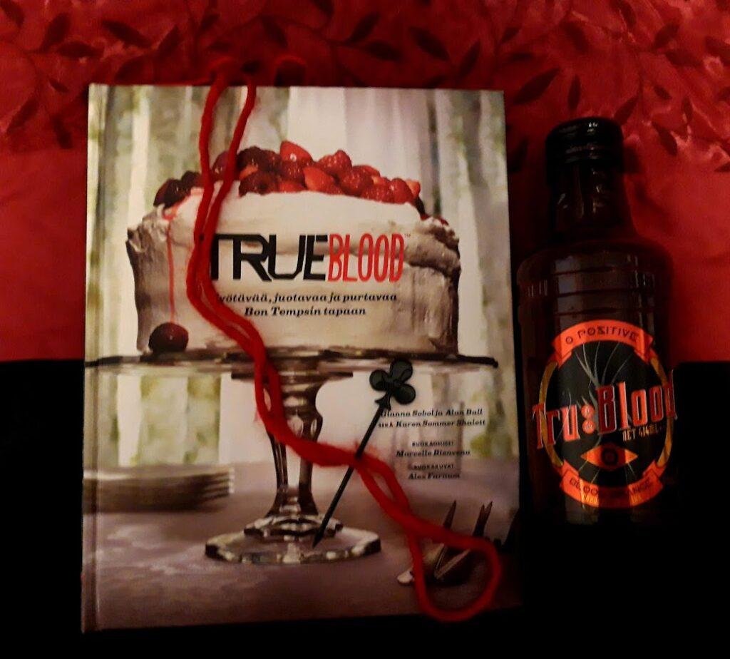 kuvassa True Blood -keittokirja