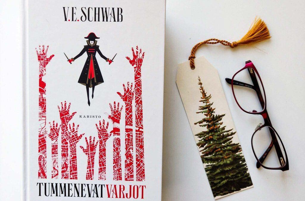 Takaisin Punaiseen Lontooseen: arvostelussa V. E. Schwabin Tummenevat varjot